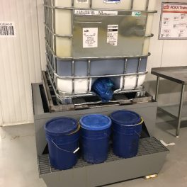 OIL CONTAINMENT STAND