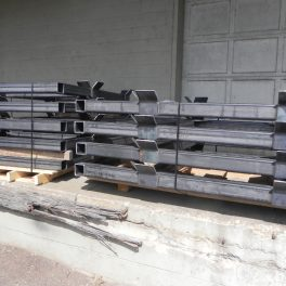STEEL FRAMES FOR STACKING