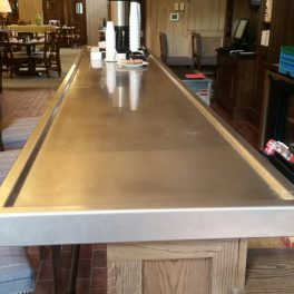 STAINLESS COUNTERTOP WITH MARINE EDGE